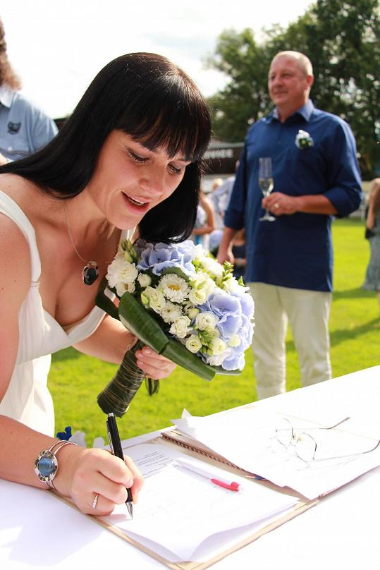 Do manželství vstoupila potřetí a jak sama říká naposledy.