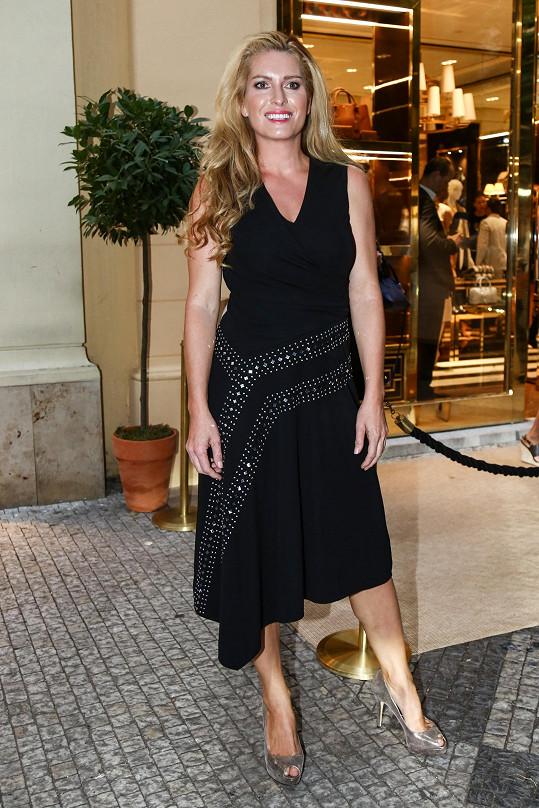 Olga Menzelová po měsících na večírku