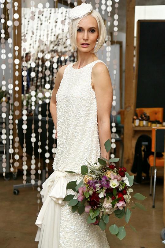 Bára neodolala a využila šanci znovu si obléct svatební šaty.