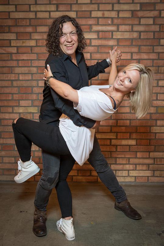 Richard Genzer s tanečnicí Janou Zelenkovou, se kterou trénuje.