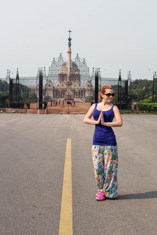 Před prezidentským palácem v Dillí