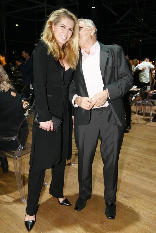 Krásná producentka Menzelová zůstane blondýnou nejspíš navždy. Své nádherné světlé hřívy se nevzdá za nic na světě.