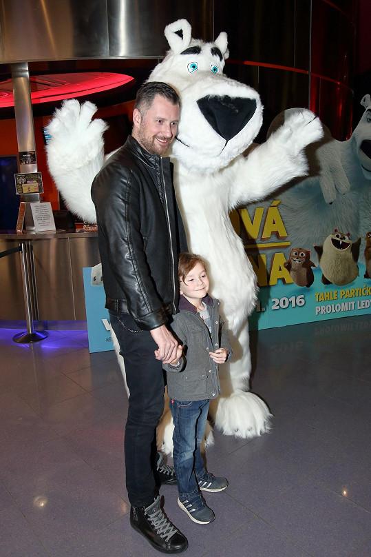 Petr Vágner vzal syna do kina.