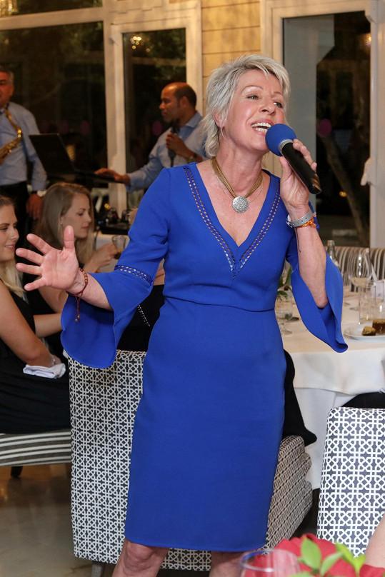 Marcela je v tuniské Sousse v rámci soustředění soutěže Muž roku. Na jednom z večerů také vystupovala.