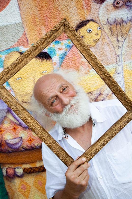 Slava Polunin začal dům a okolí přetvářet před třiceti lety k obrazu svému.