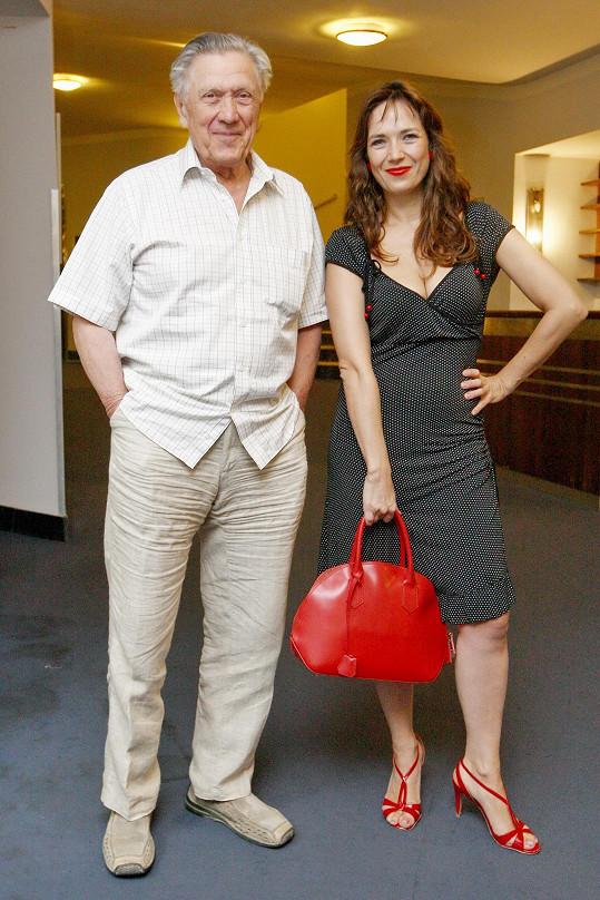 Tereza si v Adéle zahraje i s tatínkem Petrem Kostkou.