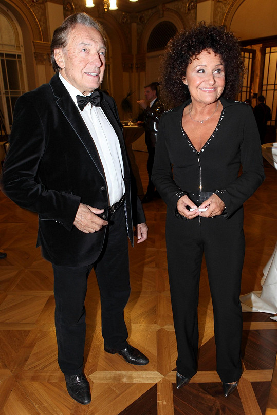 Karel Gott a Jitka Zelenková měli k Janě velmi blízko.