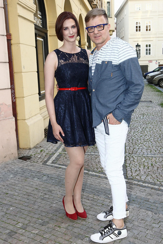 Petr Kotvald se pochlubil dcerou.
