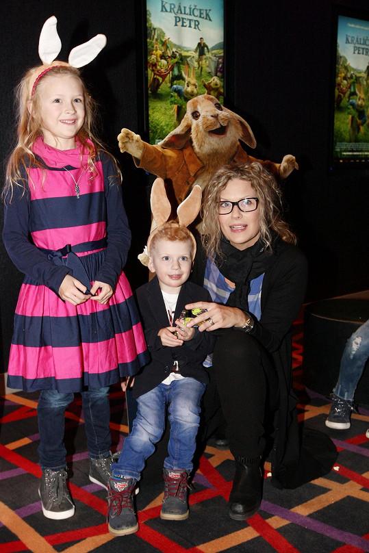 Kateřina vzala děti do kina.
