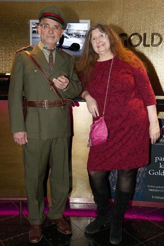 Oldřich Kaiser s Dášou Vokatou na slavnostní premiéře Rudého kapitána