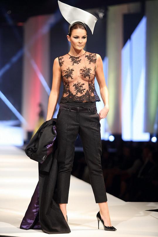 Nikol předváděla na módní show Natali Ruden nejodvážnější model.