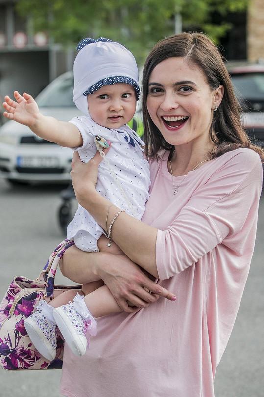 Eva Josefíková jako maminka Nikola Beranová