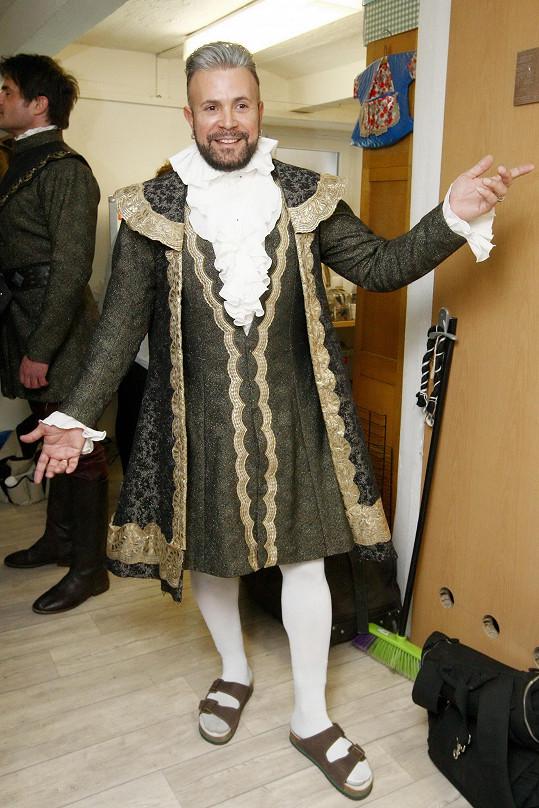 Laffita si jeden z kostýmů mohl navrhnout.