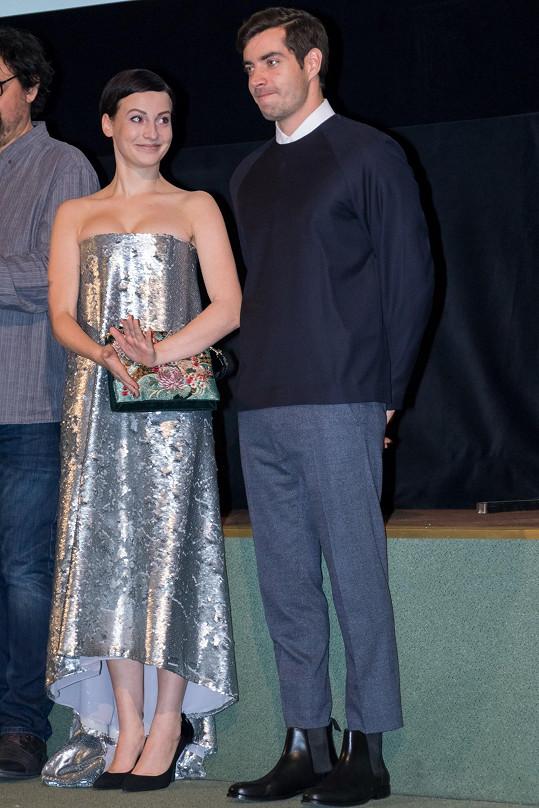 Fialová a Lupták na slavnostní premiéře filmu Nápadník