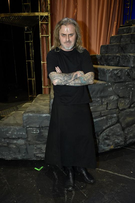 Pepa se v muzikálu opět objeví v roli Otce Inchofera.