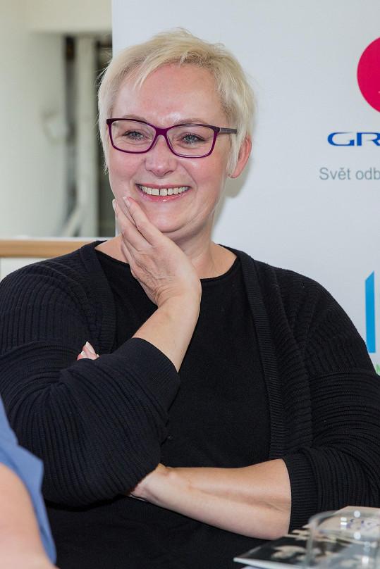 Zuzana Slavíková opět ušmikla pár centimentrů a šla do světlejší barvy.