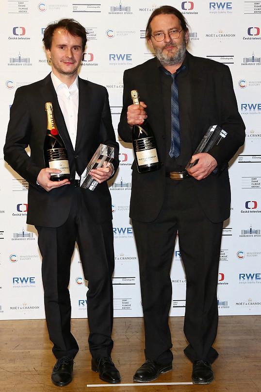 Martin dostal cenu společně s kameramanem Jaromírem Kačerem.