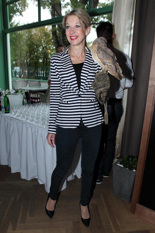 Sabina Laurinová vypadá stále výborně.