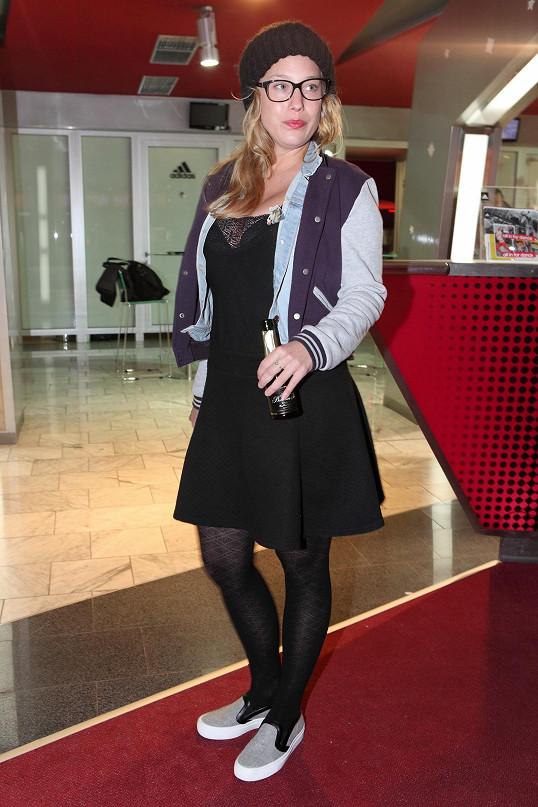 Aneta Krejčíková dorazila na premiéru filmu Modelky s.r.o., ve kterém hraje.