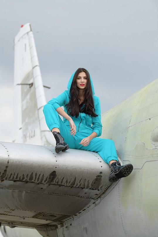 Dostat se na křídlo letadla nebyla vždy legrace.