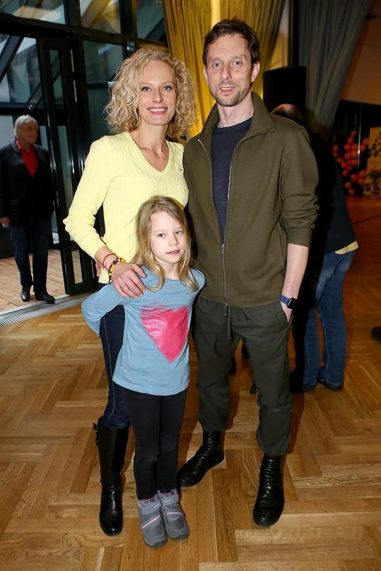 Kristina s Vaškem a Jasmínkou tvoří spokojenou rodinu.