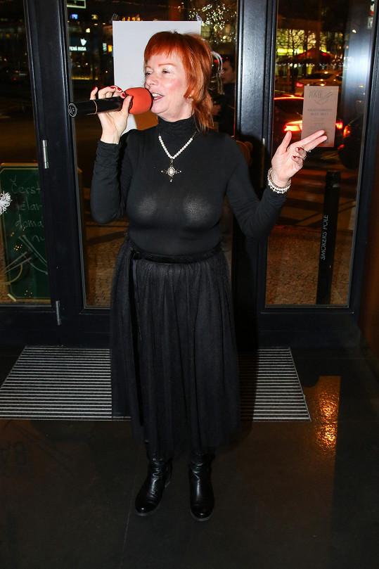 Bára Štěpánová zabodovala dalším nevkusným outfitem.