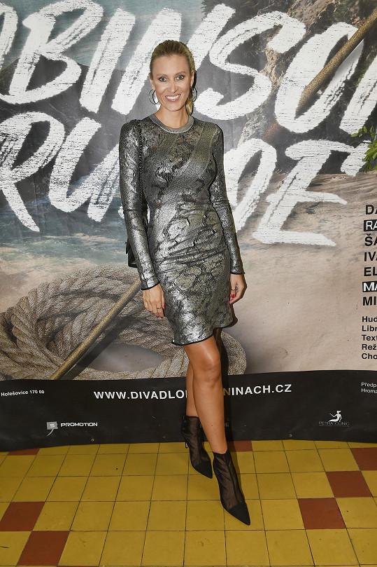 Modelka Kateřina Průšová v šatech Louis Vuitton