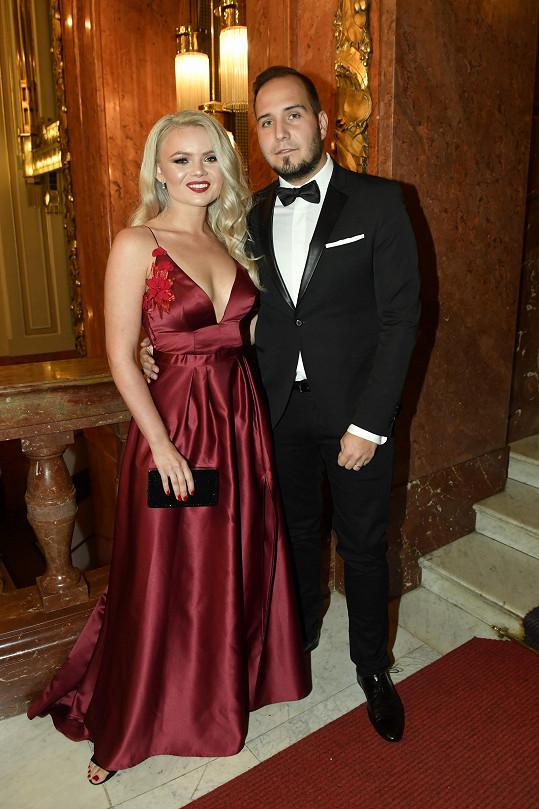 Veronika Stýblová s manželem na Česko-Slovenském plese