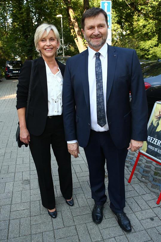 Nechyběl principál divadla Jan Hrušínský s manželkou.