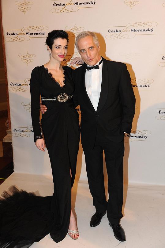 Tomáš Hanák s bývalou slovenskou Miss Lucií Hablovičovou večer moderovali.