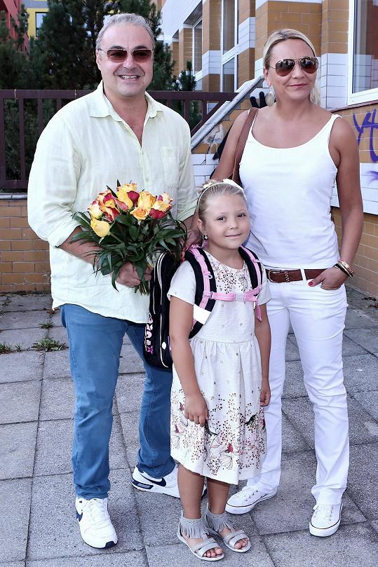 Martin Zounar s dcerou Claudinkou a její maminkou Simonou