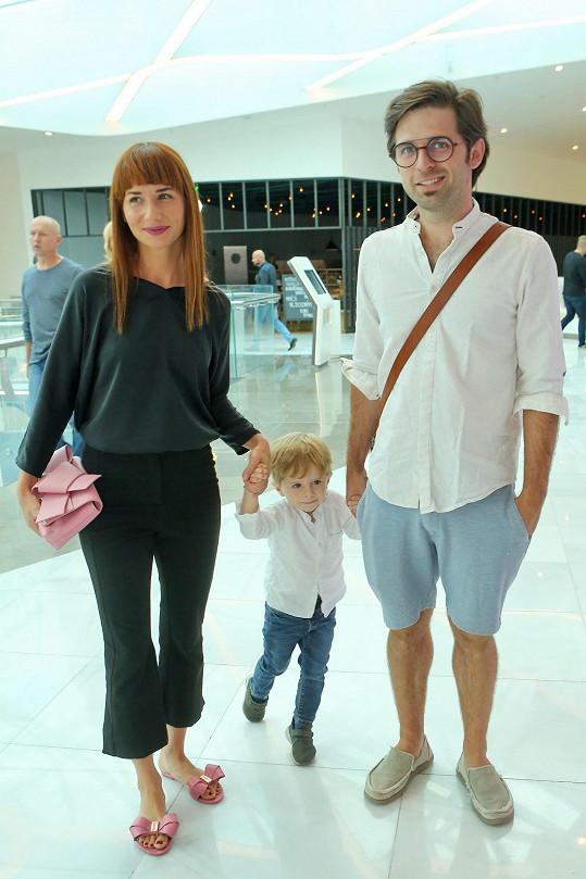 Se snoubencem Vojtěchem a synem Mikulášem