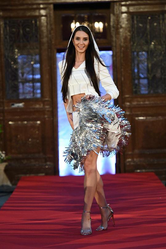 Během prezentace volnočasové kolekce Beata Paradise se Kristýna Schicková odvázala.