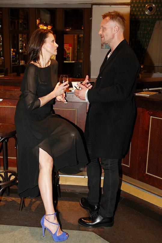 Klára Melíšková a Viktor Tauš se potkali na premiéře filmu Dezertér z trilogie Zahradnictví.
