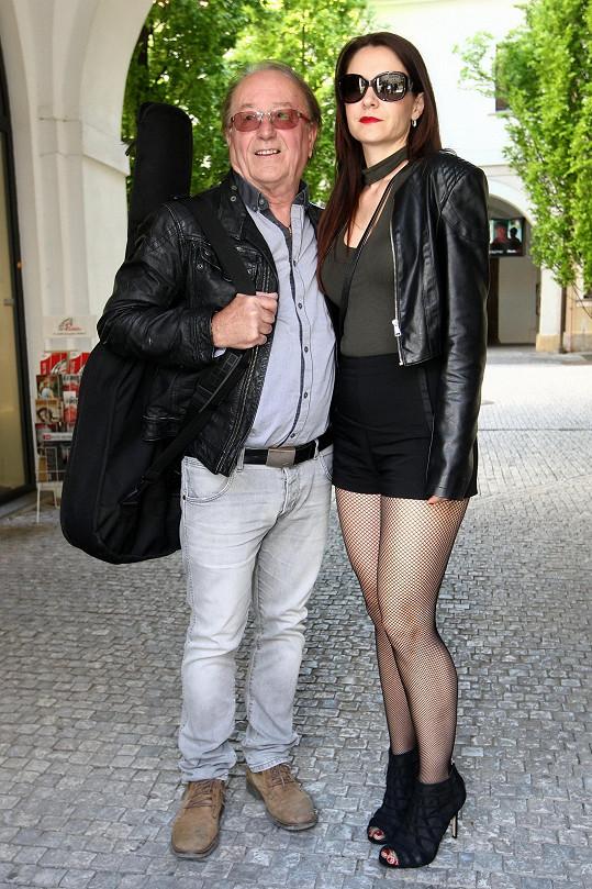 Petr Janda s manželkou v běžném životě