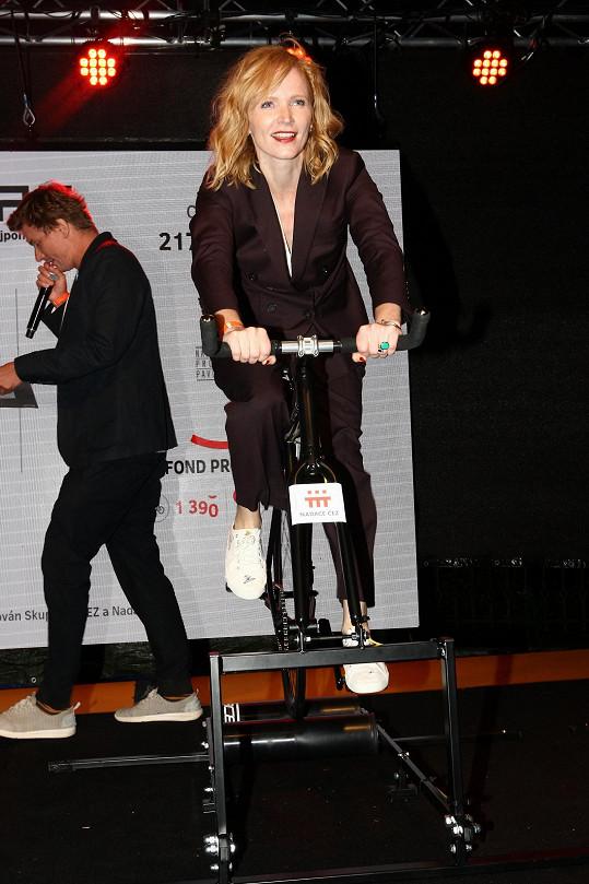Šlapala na kole pro nadaci ČEZ.
