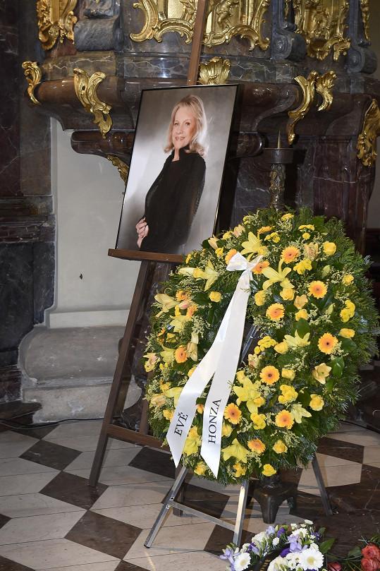 Eva Pilarová zemřela 14. března ve věku 80 let.