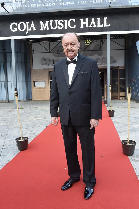 František Janeček oslavil na premiéře svého muzikálu Fantom opery 74. narozeniny.
