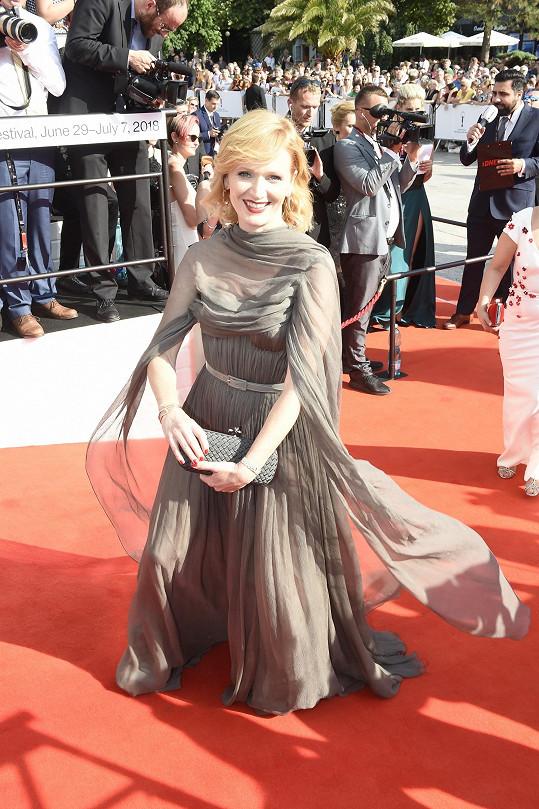 Aňa Geislerová na zahájení karlovarského filmového festivalu