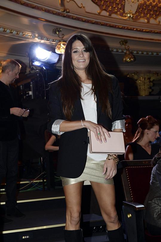 Modelka si nenechala ujít vyhlášení cen Anděl, které moderoval její přítel Leoš Mareš.