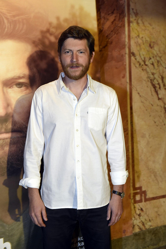 Už trojnásobným tatínkem se stal herec David Švehlík. V červenci mu partnerka Vendula porodila syna.