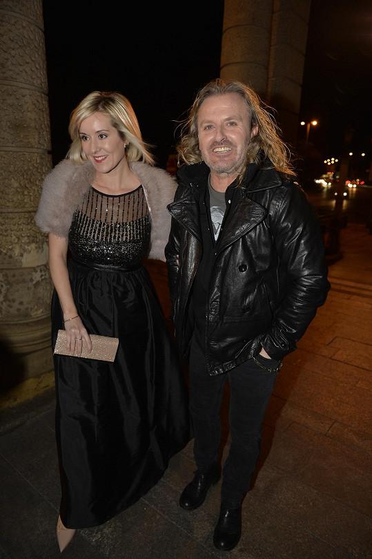 Pepa Vojtek s partnerkou Jovankou