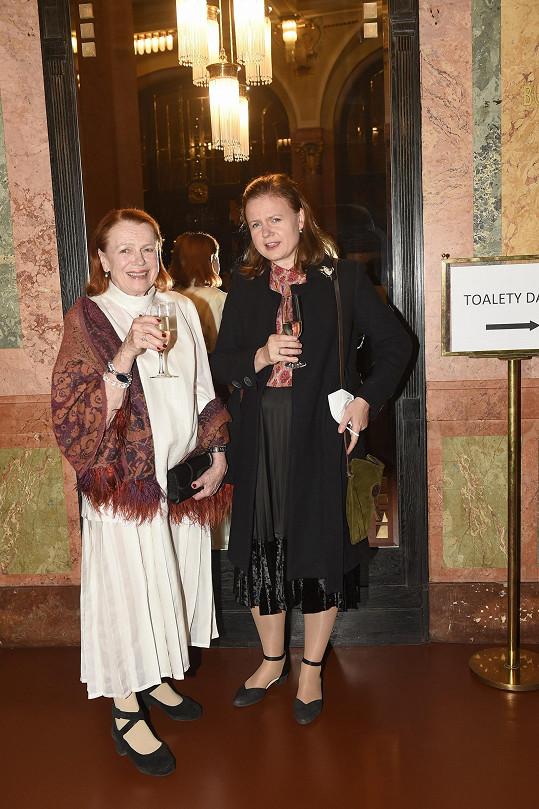 Herečka Iva Janžurová s dcerou Theodorou Remundovou