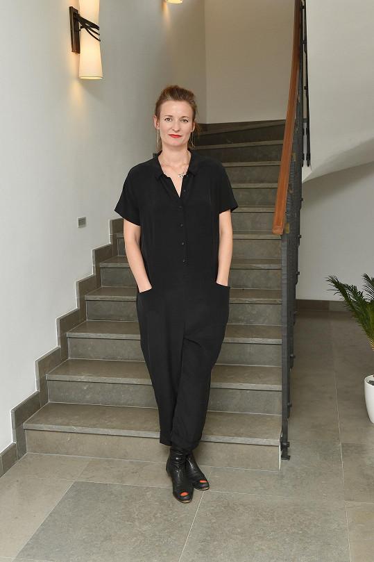 Kateřina Geislerová žije a tvoří střídavě v Praze a Paříži.