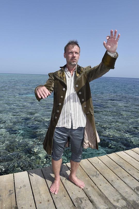Během natáčení u moře