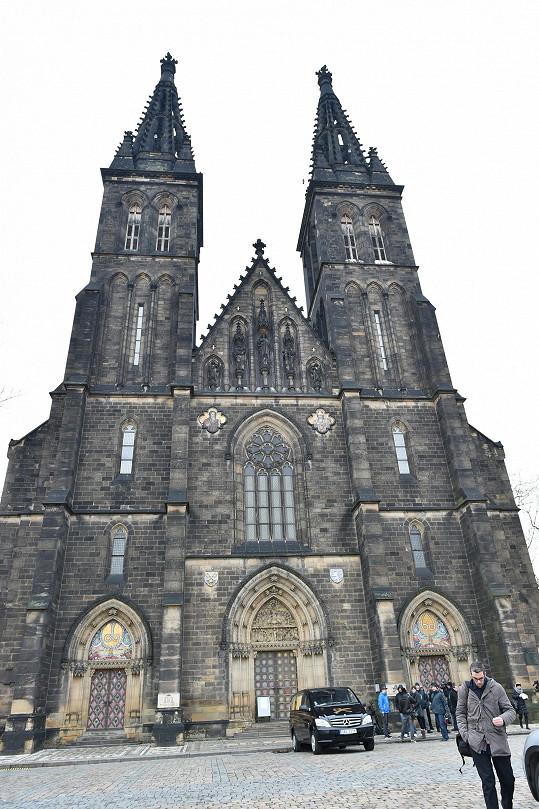 Poslední rozloučení s Petrem Hapkou se konalo v chrámu svatého Petra a Pavla na pražském Vyšehradě.