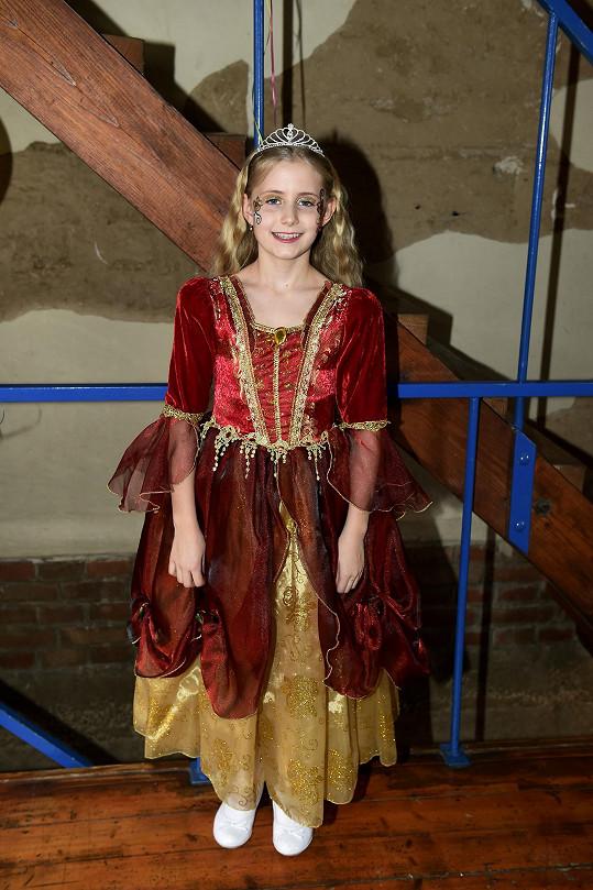 Emilka byla oblečená jako princezna.
