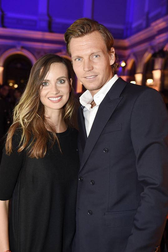 Ester s manželem Tomášem Berdychem