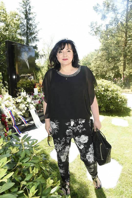 Zavzpomínat přišla i zpěvačka Šárka Rezková.