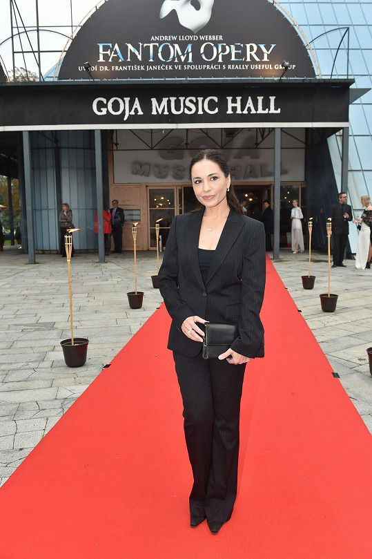 Skvělou postavu předvedla na premiéře muzikálu Fantom opery...